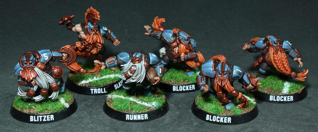 [Vente] Equipe Blitzbowl : MortVivants et Nains Blitz-bowl-dwarf-team-front